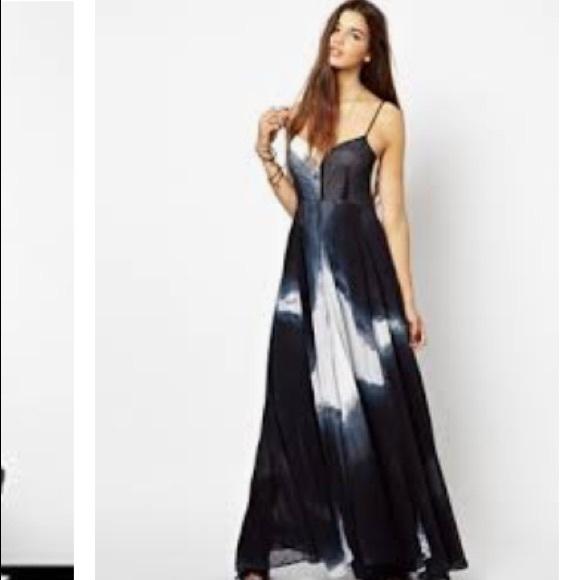 83af9420f58 Religion Karova Printed Olsen Maxi Dress. M 5a9d51b346aa7c7f16e12483